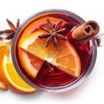 Te de clavo de olor  y jengibre con cáscara de naranja.